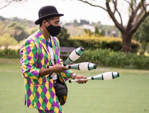 Entertainer juggling event photography